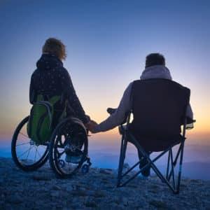 Th10. Leben. Rollstuhl. Hund.